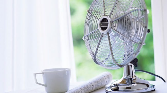 How to cool a room without AC